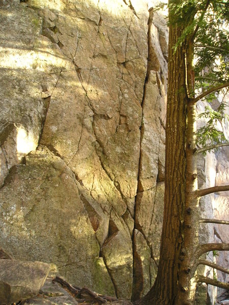 When at rock face its easy to see right drifting bolt line.