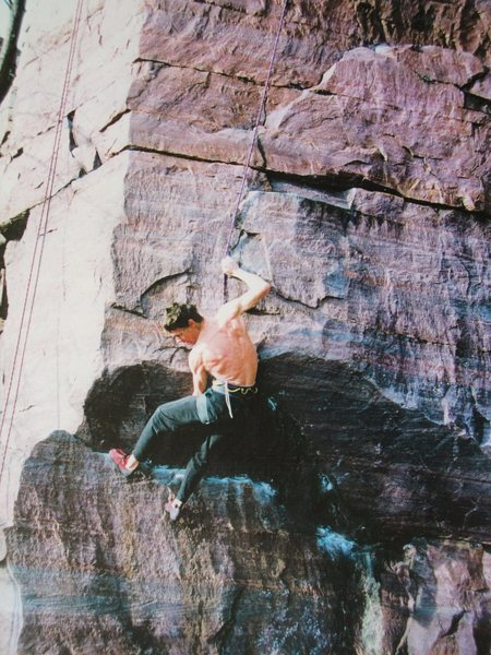 Rock Climbing Photo:    EZ throwing down the move,.. circa late 1990's.