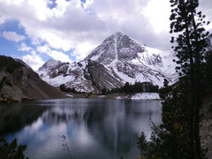 Rock Climbing Photo: 16-October-2010: North Couloir as viewed from Lake...
