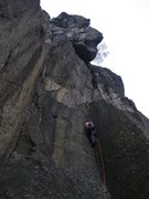 Rock Climbing Photo: leading up 2nd pitch of Gweilo (4 pitches 5.10a) L...
