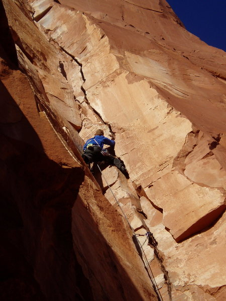 Rock Climbing Photo: The fun, middle part of P1. There's another crux a...