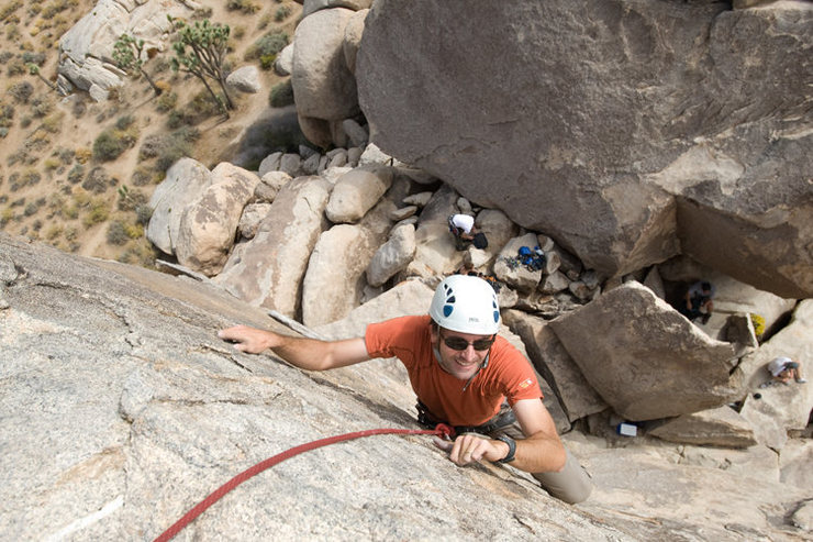 After leading the Southwest Arete, Romain takes advantage of a convenient toprope on the South Face of the Headstone.