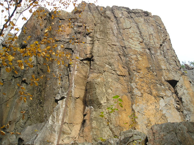 Cluster of 4 tough routes, far left is easiest at 10.b, right side 5.12.