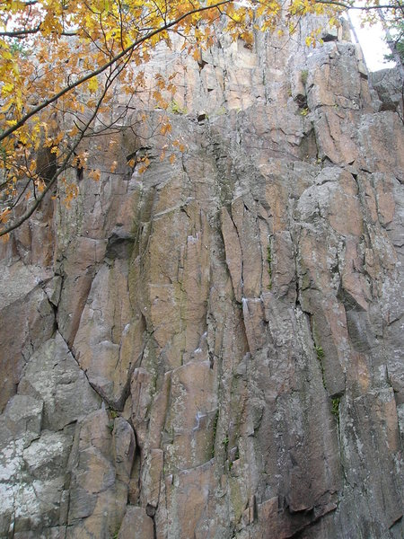 Rock Climbing Photo: Upper part of climbs, crux's are all at the bottom...