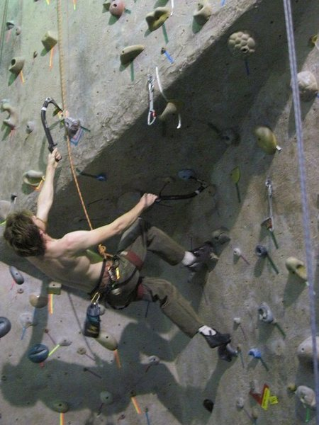"Rhoads climbing ""uppershaft"" with a stein pull to get over the roof"