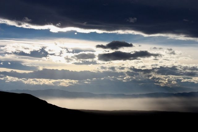 Rock Climbing Photo: Dust storm 2, NV