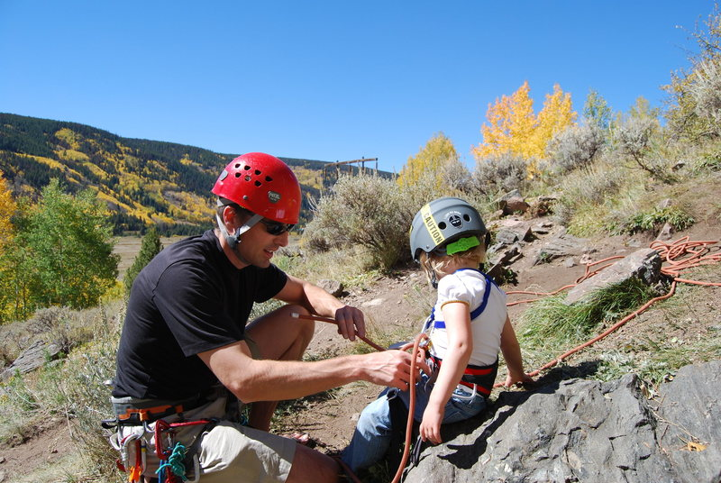 Rock Climbing Photo: Tie in.  Nice fall colors in the background.