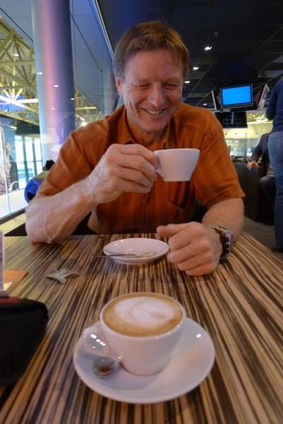 Rock Climbing Photo: Mark Richey enjoying a civilized arrival in Milano...