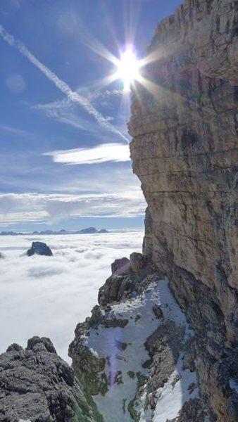 Above a beautiful sea of clouds on theTofano de Rozes