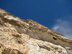 Rock Climbing Photo: Hauling the 5.11 roof on Tofano de Rozes