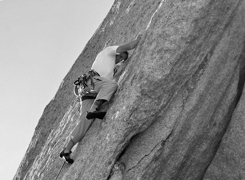 Rock Climbing Photo: Stringing along on knob central.