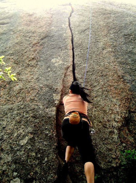 Rock Climbing Photo: Seri starting Little Feat