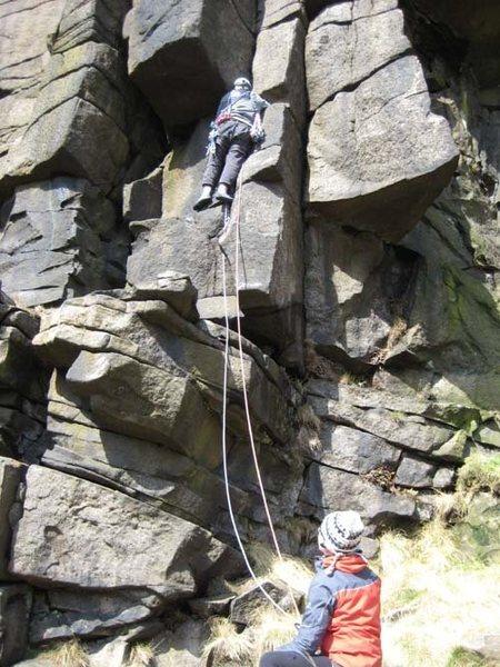 Rock Climbing Photo: Starting Twin Crack Corner in pleasant sunshine