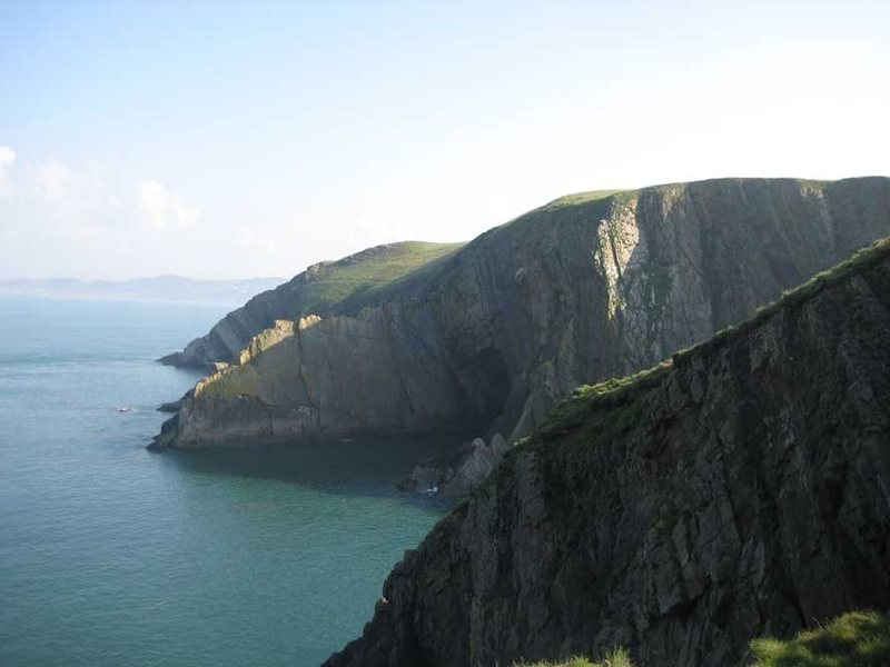 Rock Climbing Photo: Baggy Point, with Long Rock Slab in the distance a...
