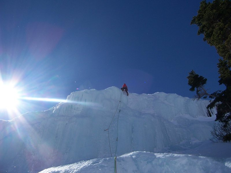 Rock Climbing Photo: Pete Lardy completing the last pitch on the headwa...