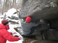 Rock Climbing Photo: Moving from the roof on IT
