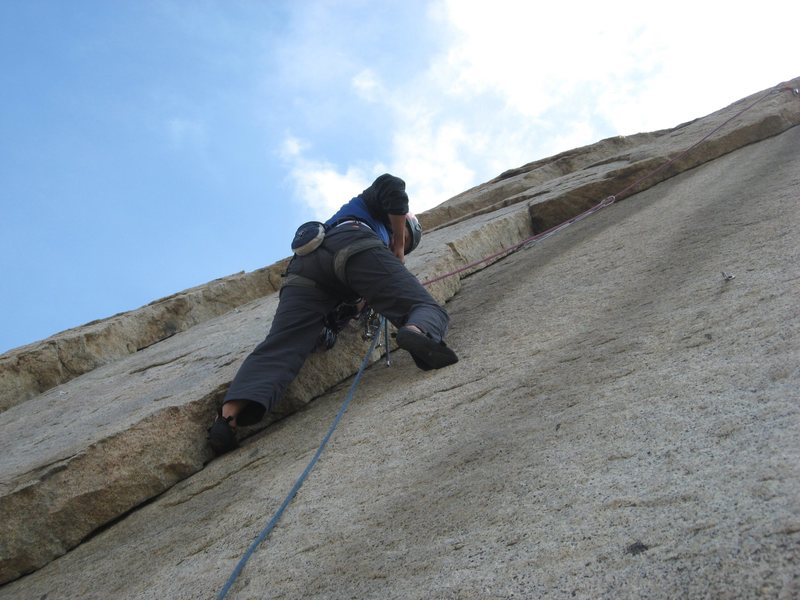 Rock Climbing Photo: Agina following Right Flake.