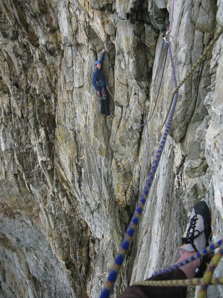 Rock Climbing Photo: Starting the last pitch traverse, yes the camera i...