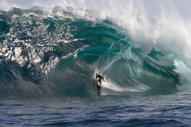 Andy Irons DEEP!
