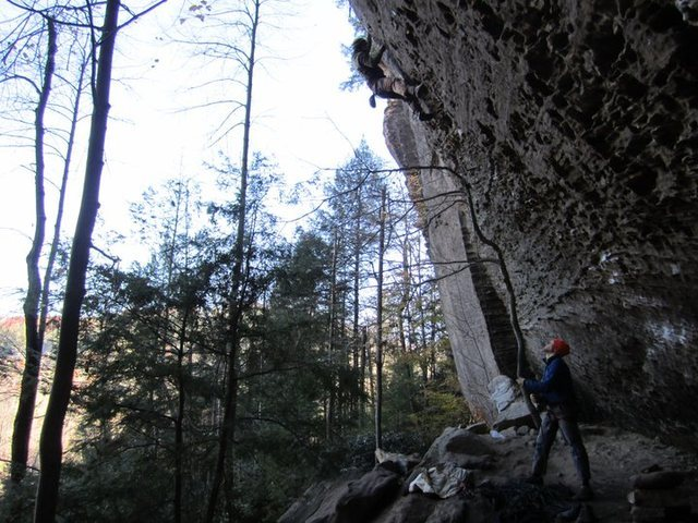 Rock Climbing Photo: Matt Kuehl loves cold rock on Hippocrite.