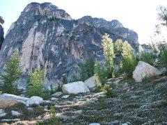 Rock Climbing Photo: Sunny Larch trees in front of South Early Winter S...