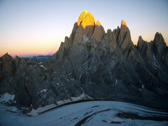 Rock Climbing Photo: Fitzroy at sunset, just before a full moon rise.