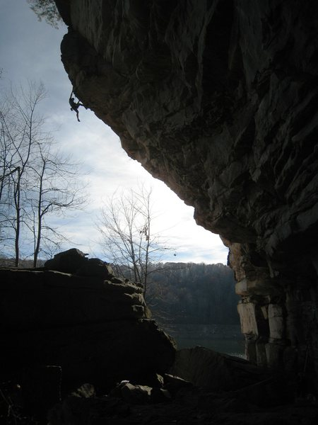 Rock Climbing Photo: Pulling the lip.