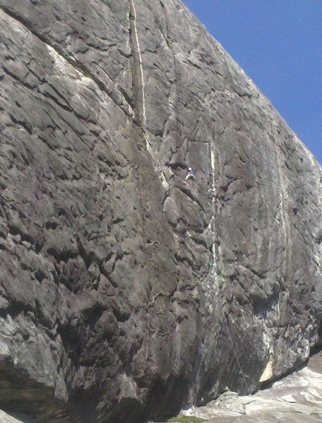 Andrew rappelling down after we finished the upper groove.  Classic!