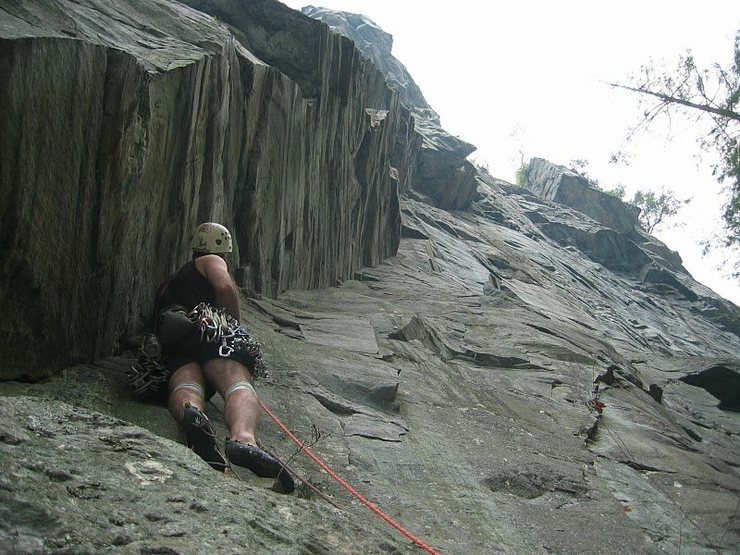 Rock Climbing Photo: An old forgotten line... FA was by Tom Howard and ...