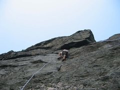 Rock Climbing Photo: The stellar pitch 2, with the overhanging 3rd pitc...
