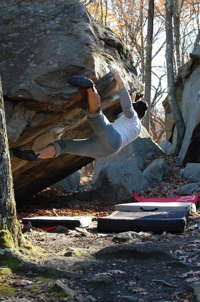 Rock Climbing Photo: A toe hook helps stabilize me when skipping some o...