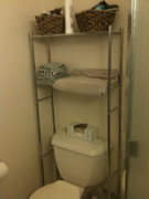 Bathroom pic 2.