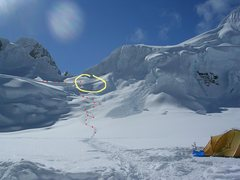 Rock Climbing Photo: Yellow circle - first serac avalanche to cover the...