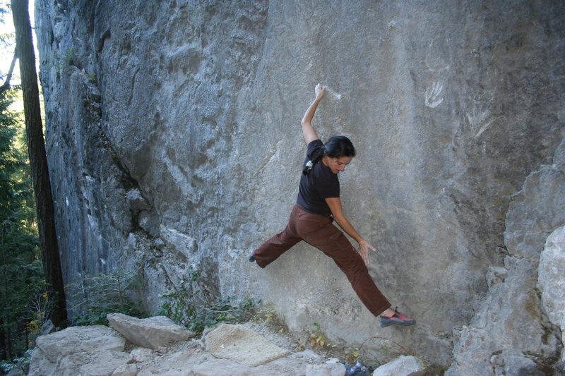 Rock Climbing Photo: Val - Trinity Traverse (finish section V0)