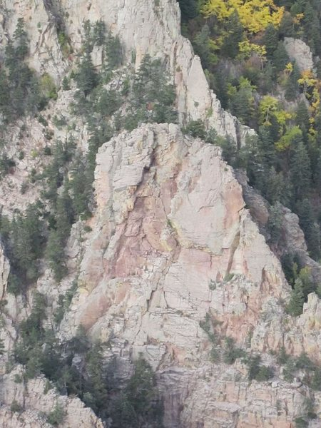Rock Climbing Photo: West face of Rat's Rock, Upper La Cueva Canyon, Sa...