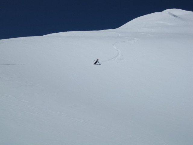 Rock Climbing Photo: ski down!!
