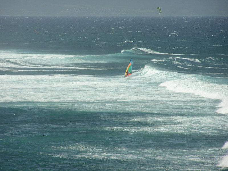 This image shows how the waves were pealing off the point at Hookipa. By the time they got to us they were soo clean!