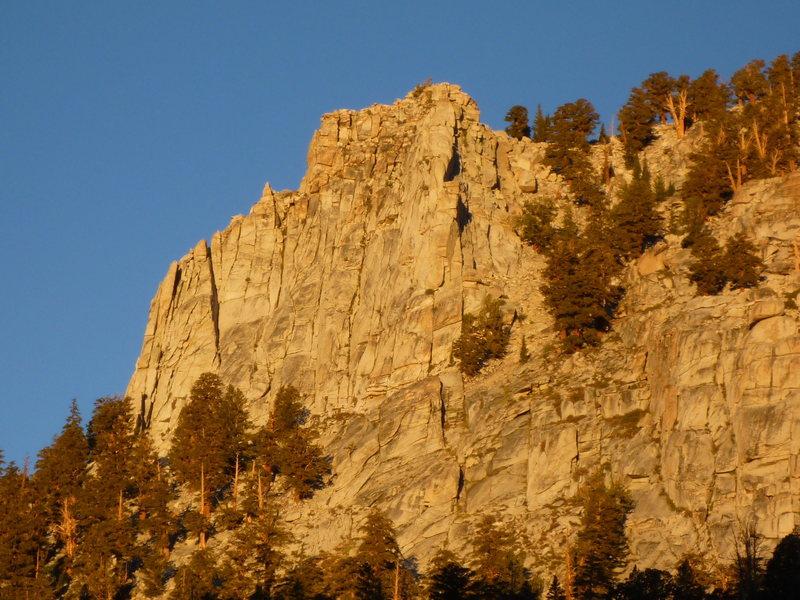Rock Climbing Photo: Golden Trout Crag, Cottonwood Lakes Basin.  'Fish ...