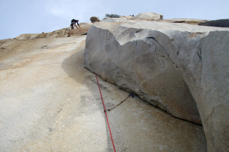 """Romain Wacziarg leads the """"Undercling Variation"""" of the 2nd pitch of Lieback, at Kernville Rock."""