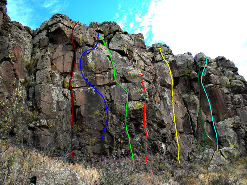 Rock Climbing Photo: Maroon - Unknown. Blue - The Perfect 10. Light Gre...
