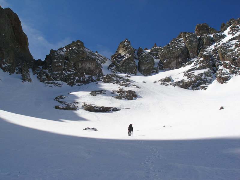 Approach to couloir on way to Crestone Needle, 02/27/09.