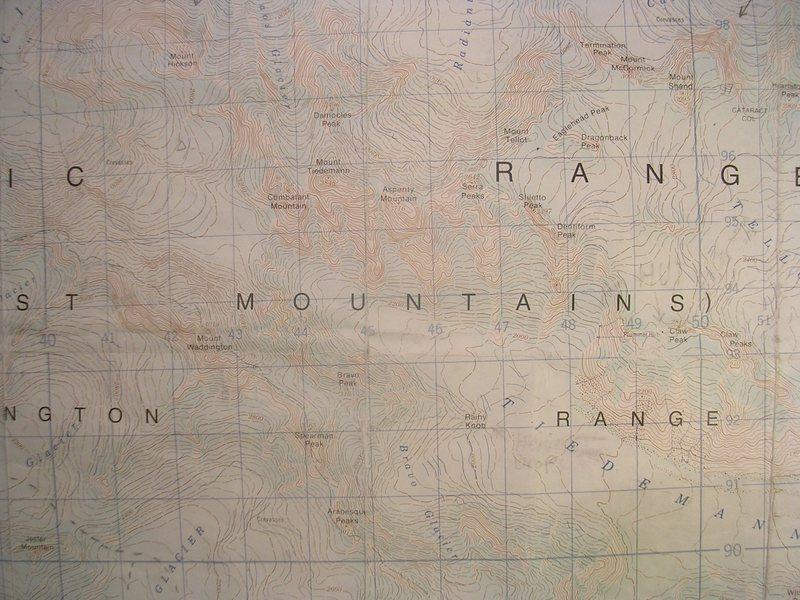 Mount Waddington and the Tiedemann Peaks<br> contour interval: 40 meters<br> one kilometer grind