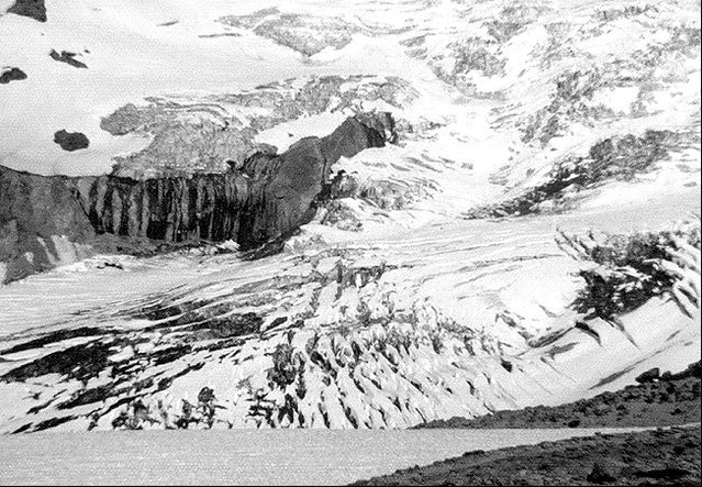 Nisqually Glacier, 1975.<br> Photo by Blitzo.