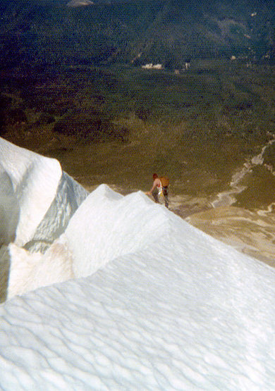 Skirting a schrund on Mount St. Helens, 1974.<br> Photo by Blitzo.
