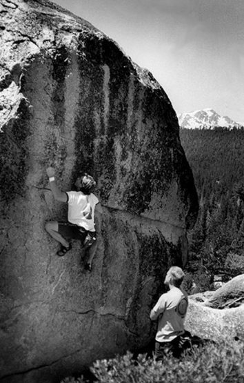 Bouldering at Echo View, Tahoe.<br> Photo by Blitzo.