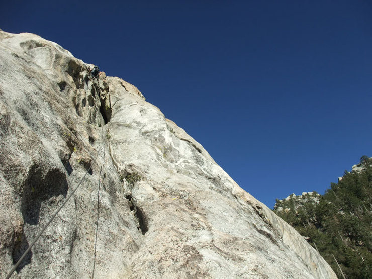 Jascha leading the final chimney pitch of Mechanic's Route