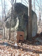 Rock Climbing Photo: Another awesome boulder hidden in Milford.  This t...