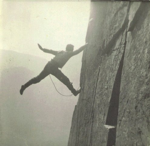 Rock Climbing Photo: 1954..  P.Ross on the crack...