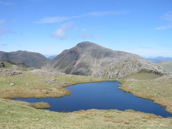 Rock Climbing Photo: A distant view of Great Gable from the Scawfell tr...