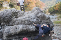 Rock Climbing Photo: A typical day at the Delashine Boulder, Bridge are...